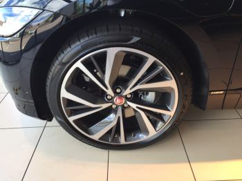 Jaguar I-PACE 90kWh EV400 HSE image 3 thumbnail
